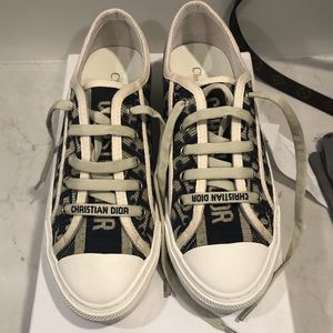 Dior sneakers size 39